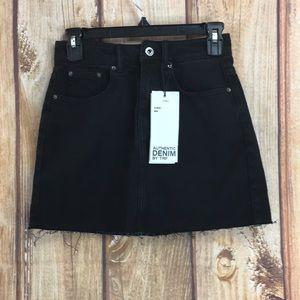 💸Zara   Distressed Black High Rise Mini Skirt XS
